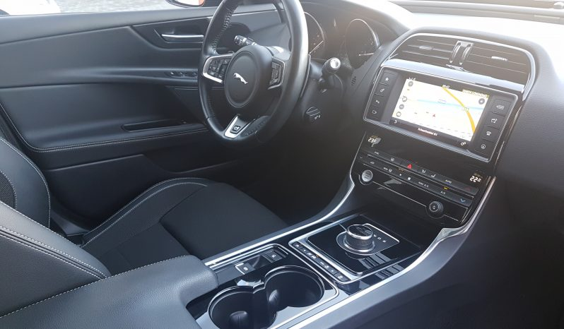 Jaguar XE 2.0 D R Sport full