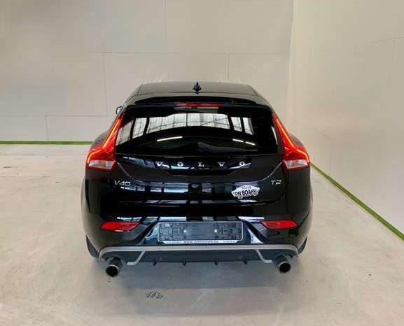 Volvo V40 2.0 T2 full